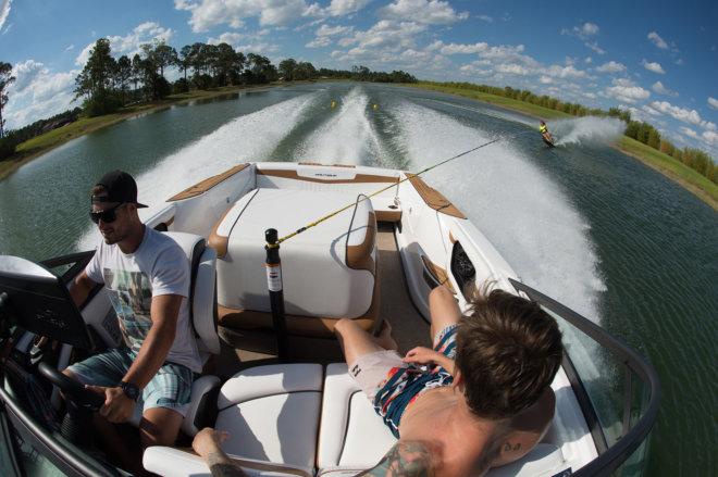 Szkolenie z jazdy na nartach wodnych