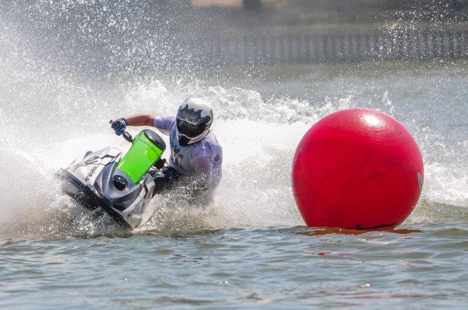 Instruktor jazdy skuterem wodnym