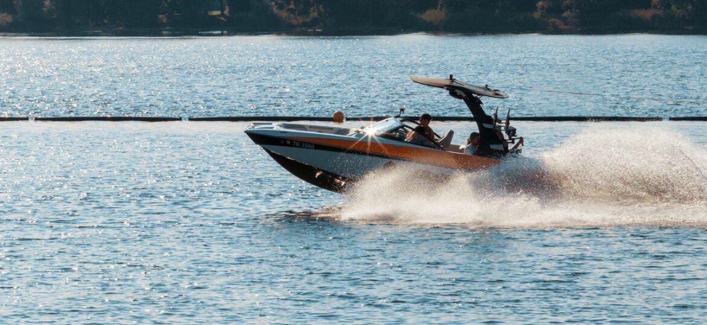 Budowa łodzi motorowej