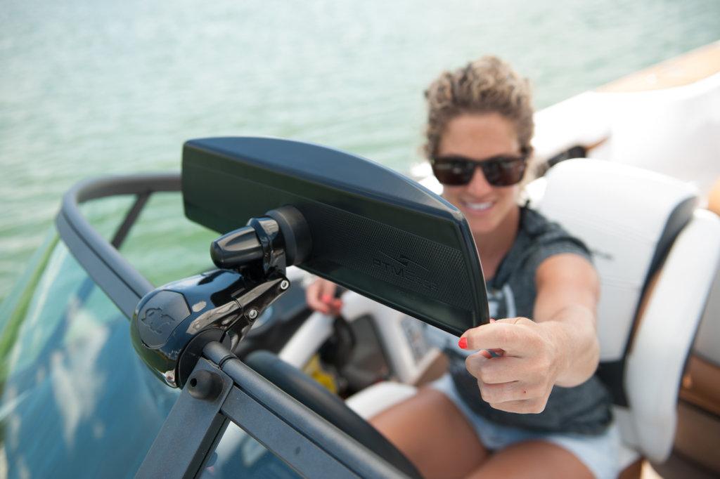 Lusterko wsteczne łodzi motorowej