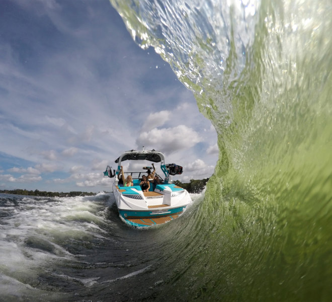 Pływanie motorówką